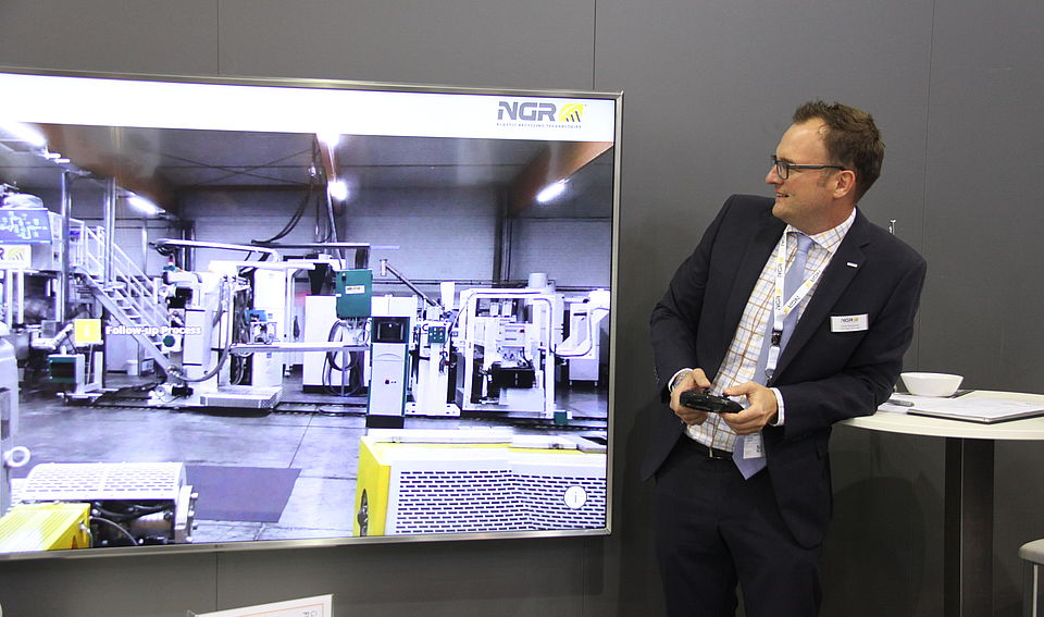 Virtually navigate a plastic recycling plant